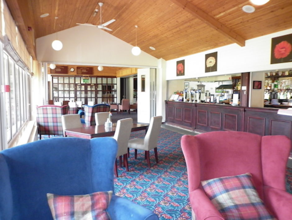 Lutterworth Golf Club's relaxing Swift  Bar